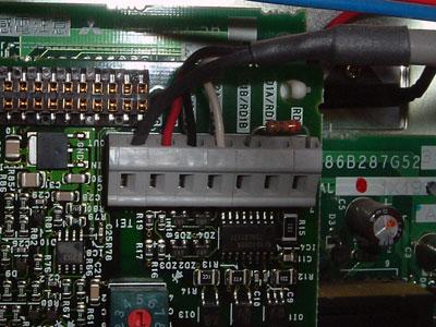 テラル SX-VFC 給水ポンプ用 インバータ 三菱:FR-T629-7.5K-31 端子台結線の様子