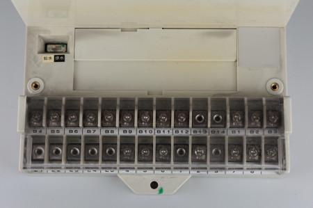 オプションボード接続端子を閉めた様子