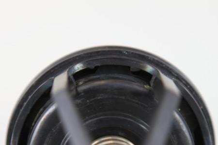 第2逆止弁 蓋を止めている爪