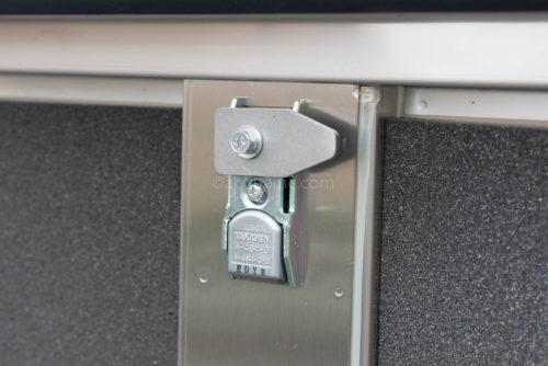 40PNAGM2.2 フロントパネル鍵の裏側